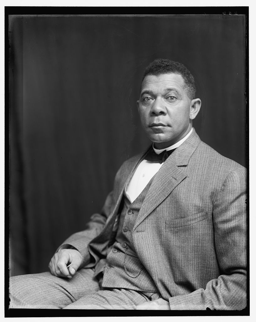 Black-and-white photograph of Booker T. Washington