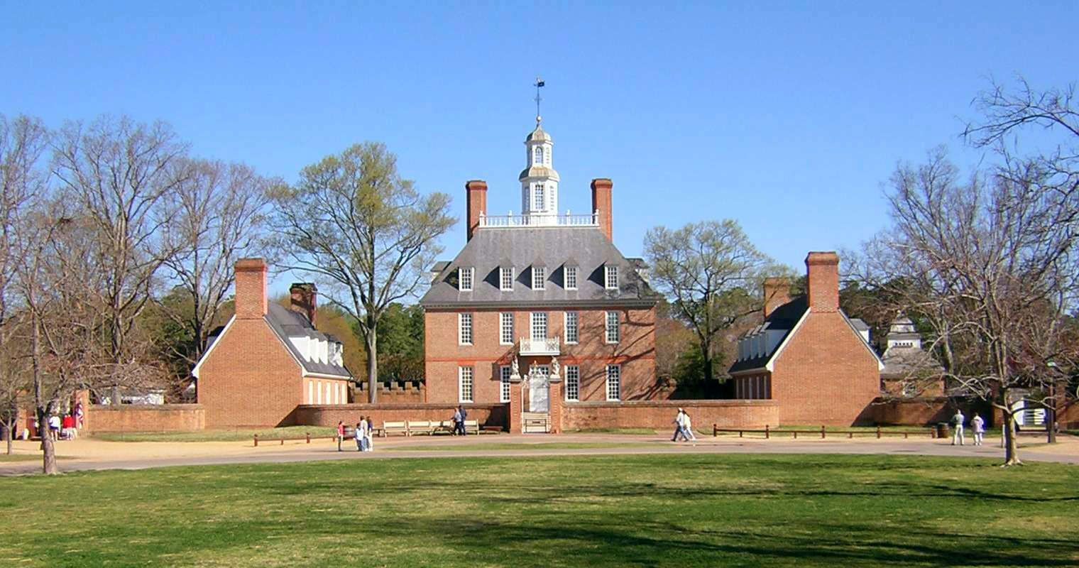 The Governor's Palace at Colonial Williamsburg (Virginia), which was originally constructed in the early 18th century, provides a visual example of Georgian-style architecture. The original palace burned down in 1781 and was reconstructed during the 1930s.