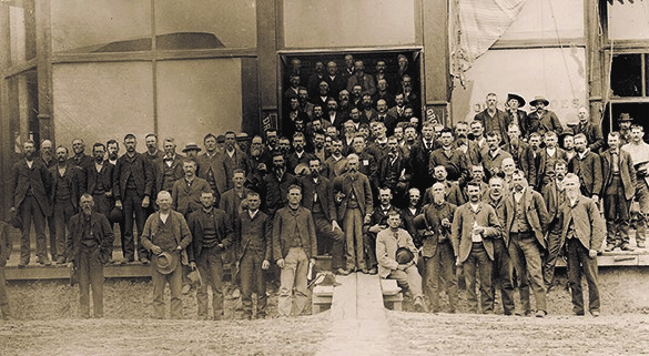 People's Party delegates gather for their nominating convention in Omaha, Nebraska, in the summer of 1892, where they approved the Omaha Platform.