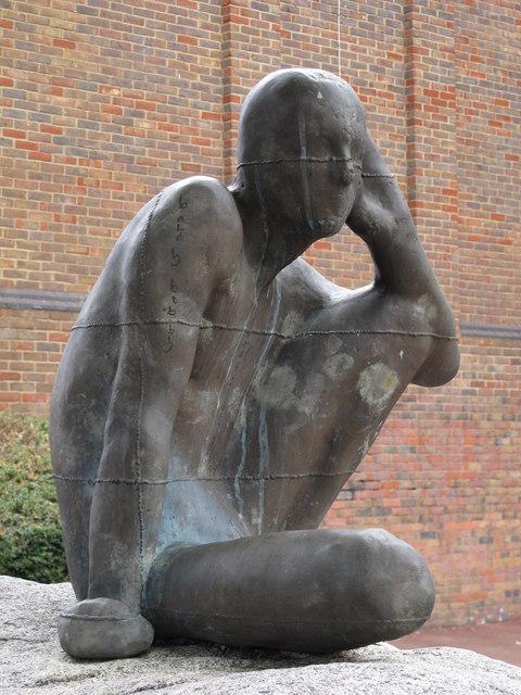 Learning to ListenAntony Gormley's statue