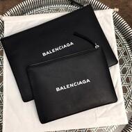 Balenciaga Everyday Pouch In Black