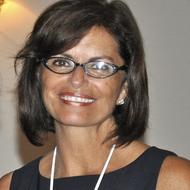 Dr. Carmen Campos